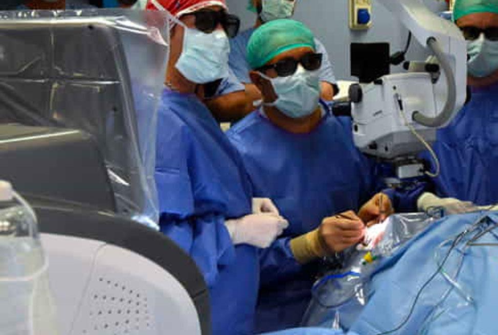 """Due interventi d'avanguardia su pazienti con tumori al colon diventano un """"caso"""" mondiale"""